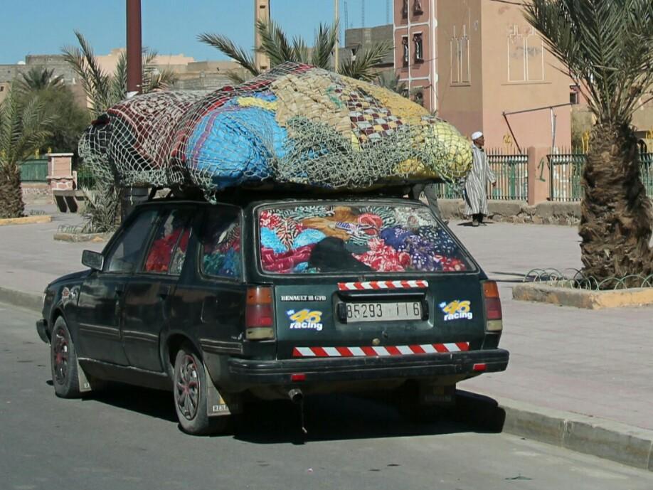 Maroko.Samochód osobowy przeładowany.