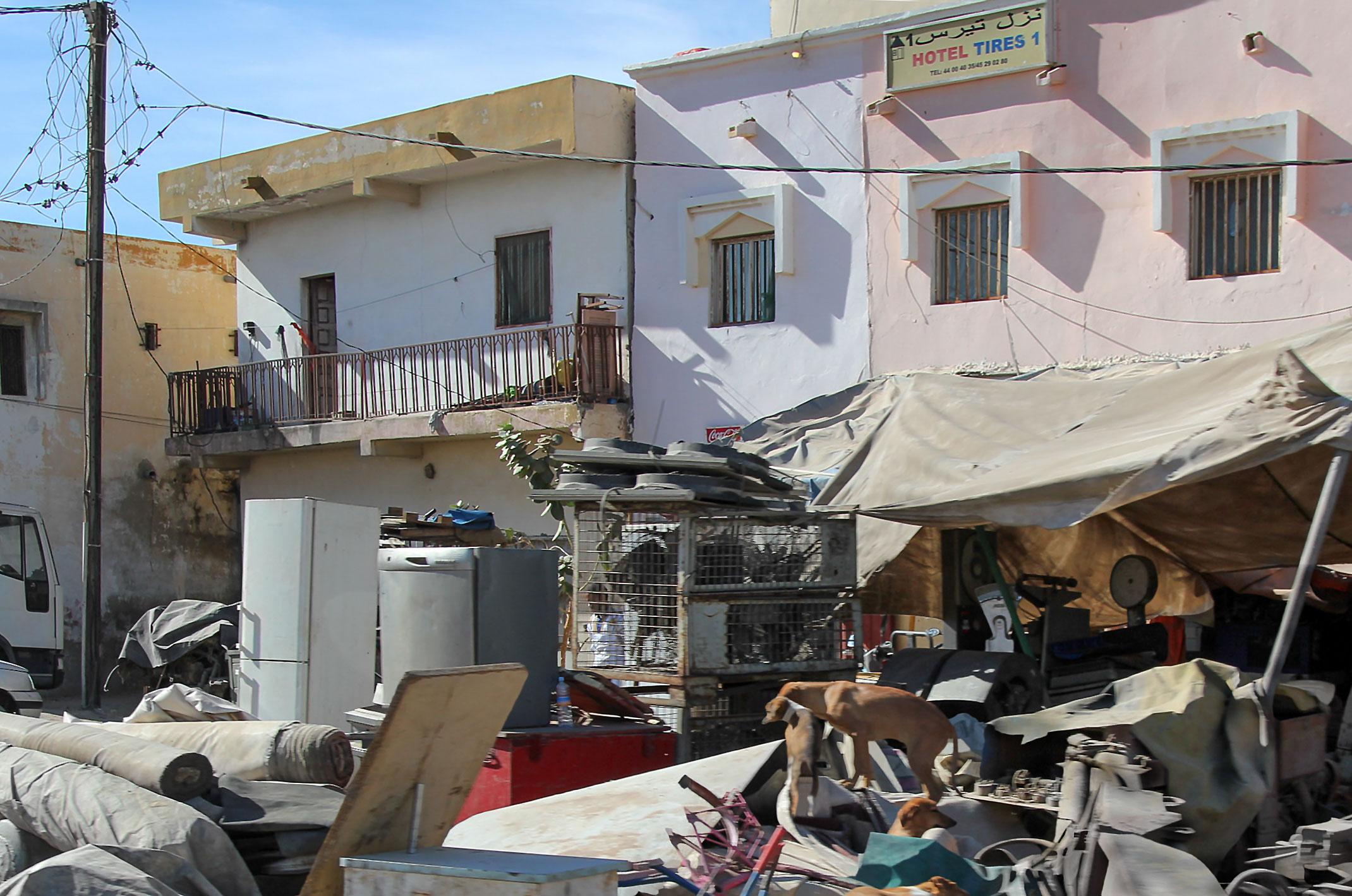 Mauretania.Front hotelu