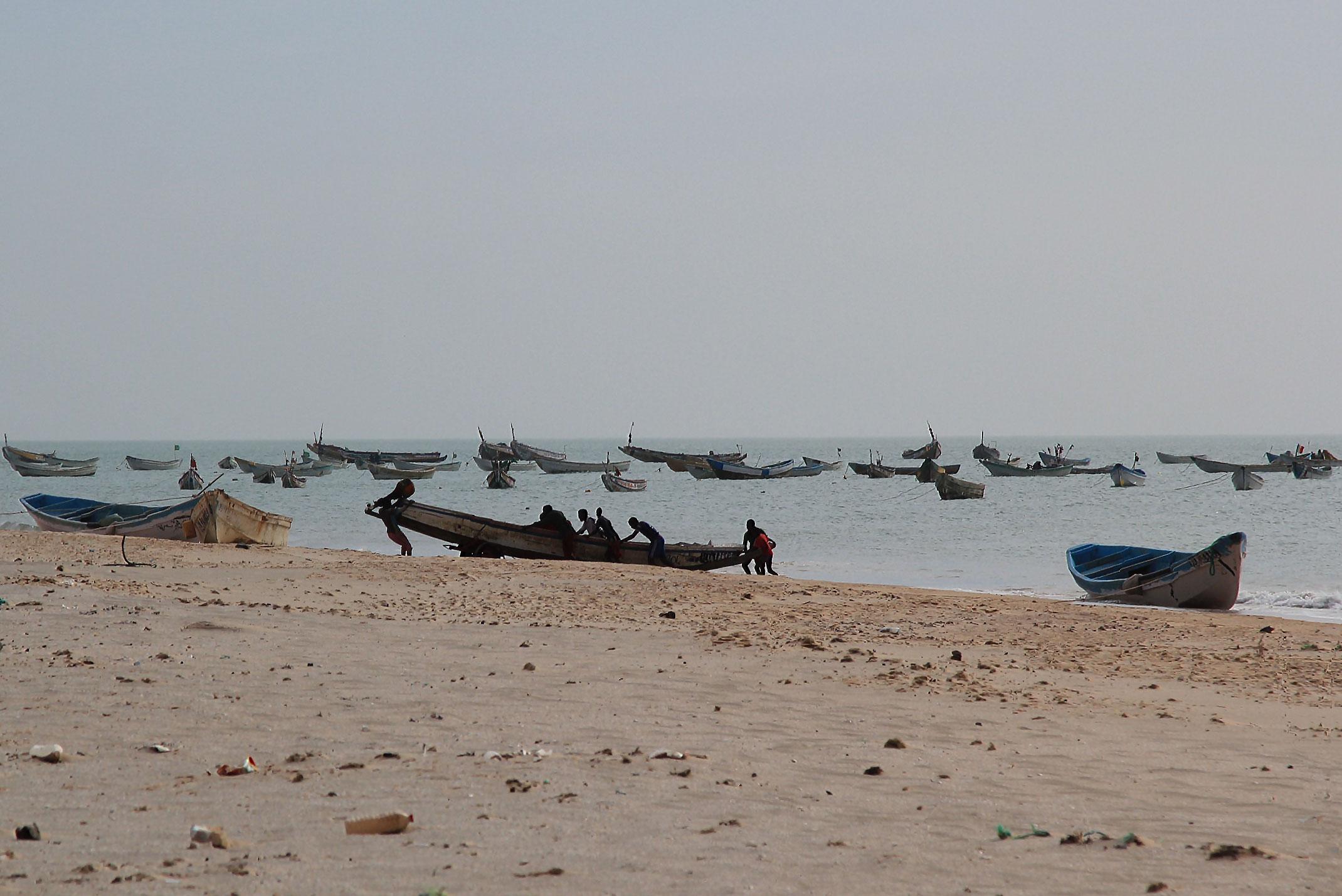 Mauretania.Rybacy przy pracy.