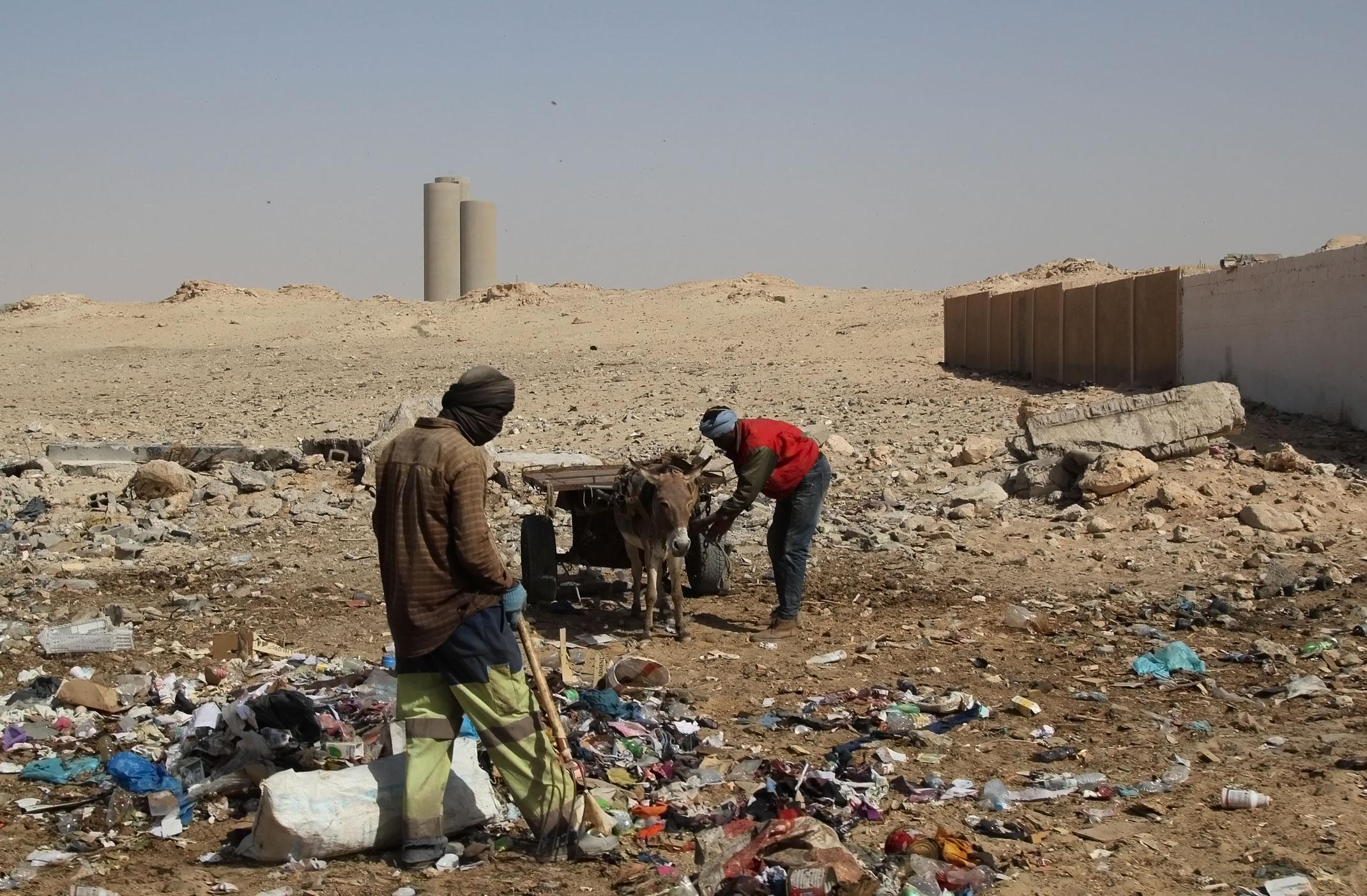 Mauretania.Nouadhibou.Sprzątanie miasta.