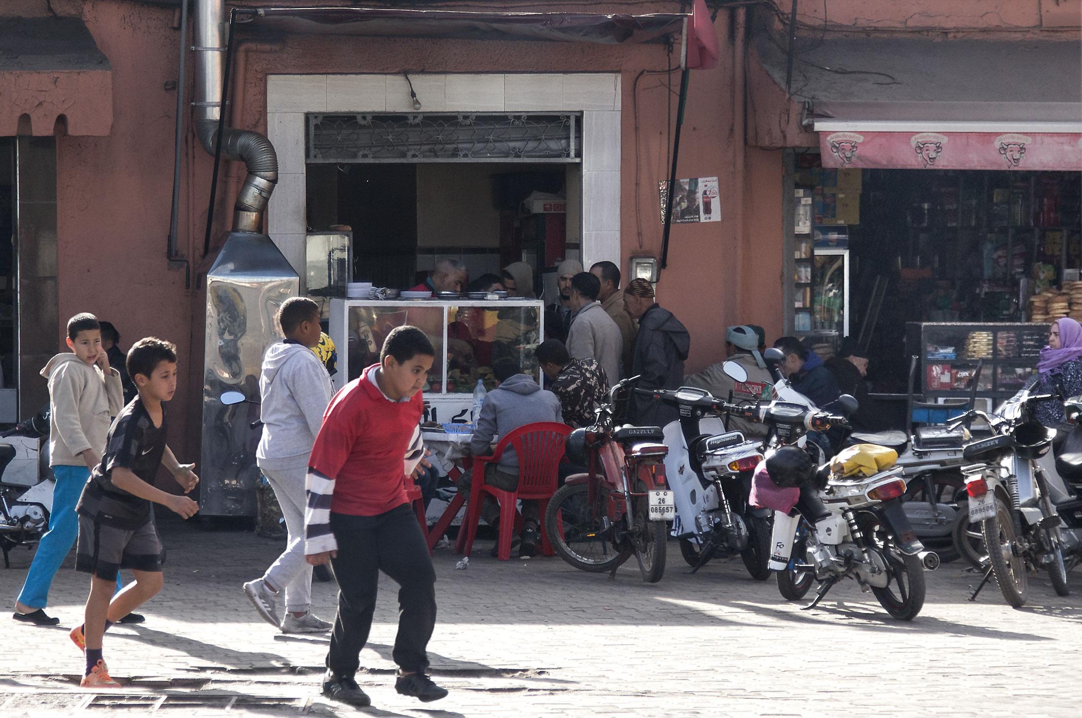 Maroko.Lokarne restauracyjki z rybami