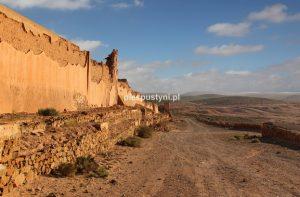 Pod murami fortu - Blog podróżniczy - PIES PUSTYNI