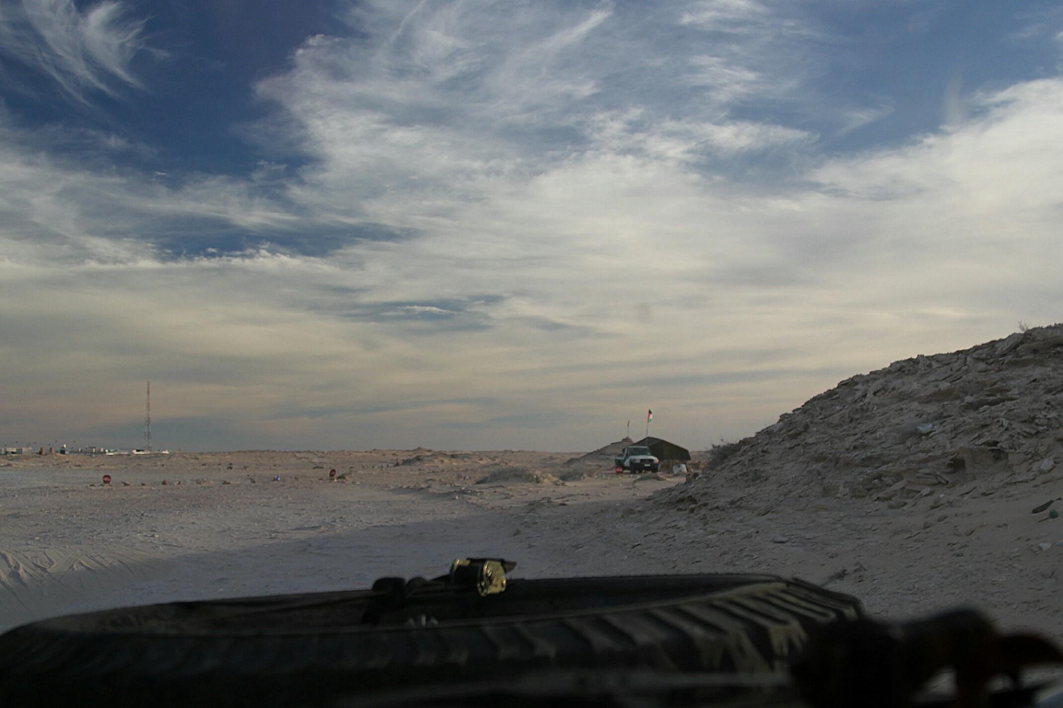 Pas ziemi niczyjej.Przejście graniczne,między Marokiem,a Mauretanią