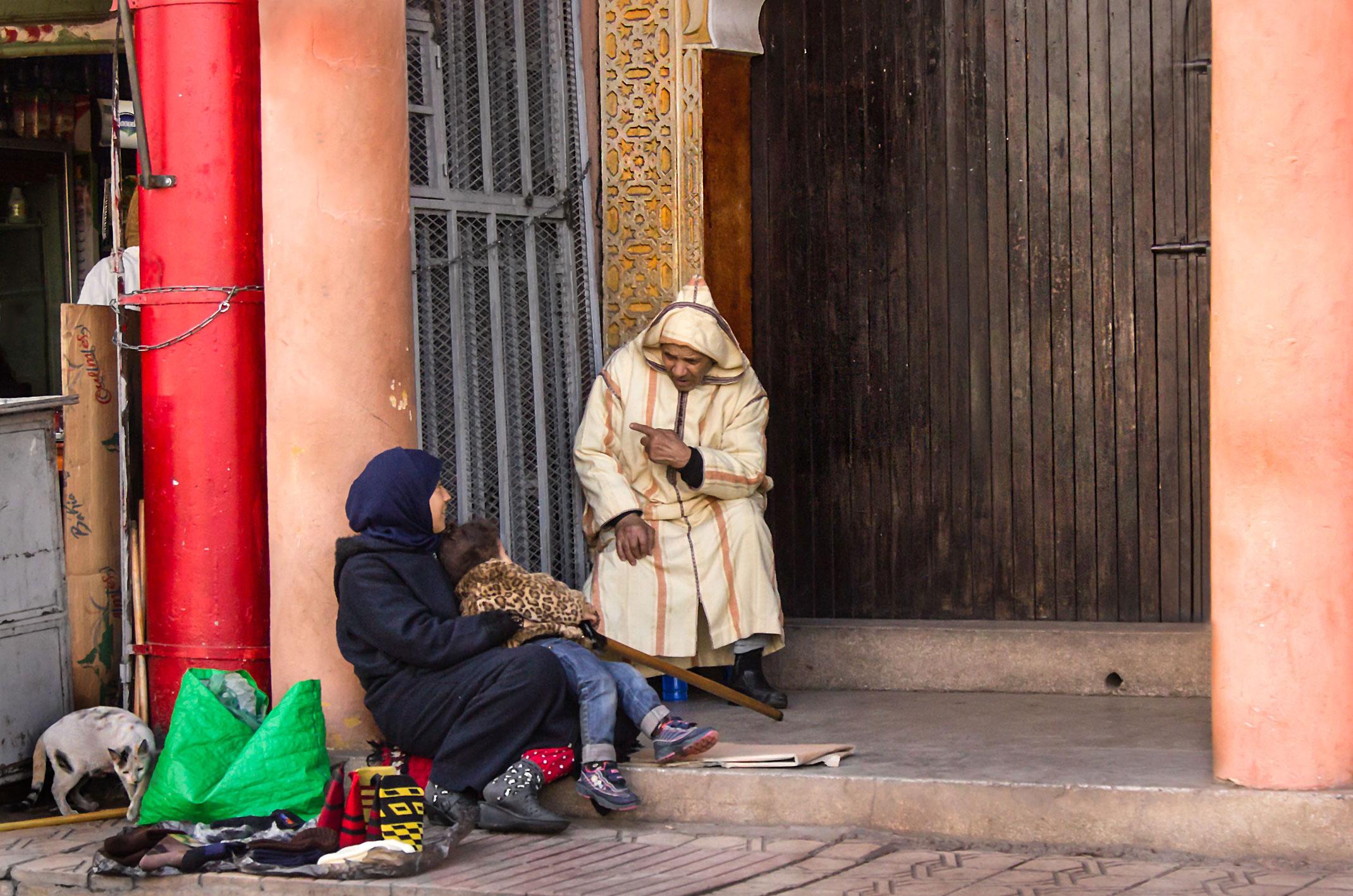 Maroko.Uliczne pogaduszki