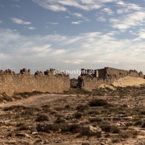 Ruiny fortu Aoreora - Blog podróżniczy - PIES PUSTYNI