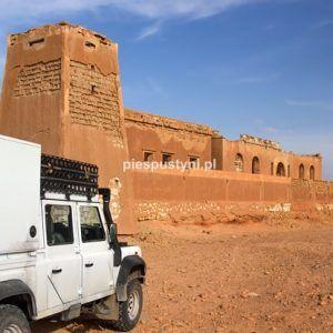Land Rover Defender 130 – twierdza - Blog podróżniczy - PIES PUSTYNI