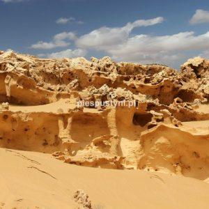 Saharyjskie formacje - Blog podróżniczy - PIES PUSTYNI