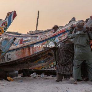 Port rybacki w Nawakszut 11 - Blog podróżniczy - PIES PUSTYNI