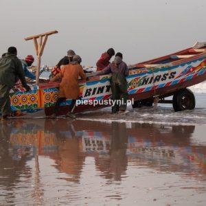 Port rybacki w Nawakszut 13 - Blog podróżniczy - PIES PUSTYNI