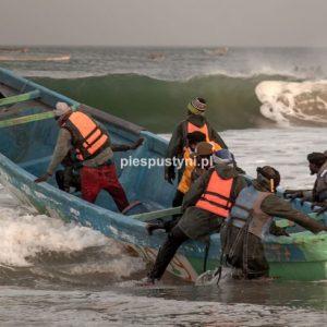 Port rybacki w Nawakszut 7 - Blog podróżniczy - PIES PUSTYNI