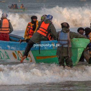 Port rybacki w Nawakszut 9 - Blog podróżniczy - PIES PUSTYNI