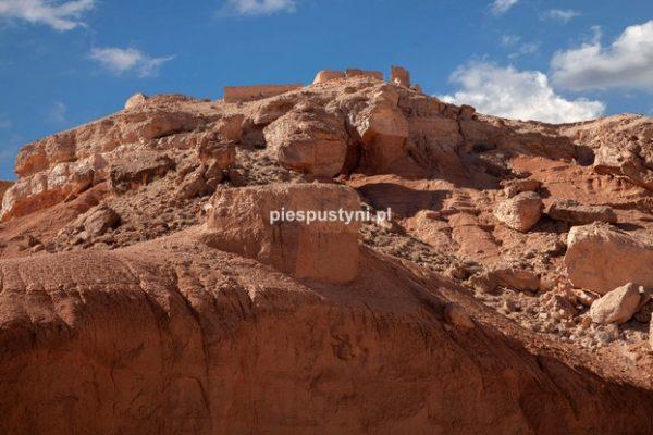 Fort nad ouedem Azinous 1 - Blog podróżniczy - PIES PUSTYNI
