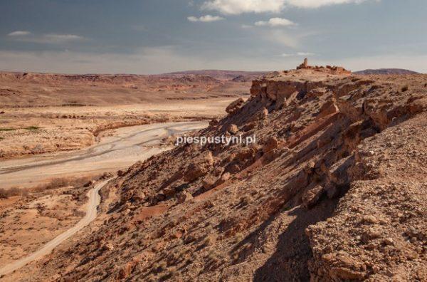 Fort nad ouedem Azinous 3 - Blog podróżniczy - PIES PUSTYNI