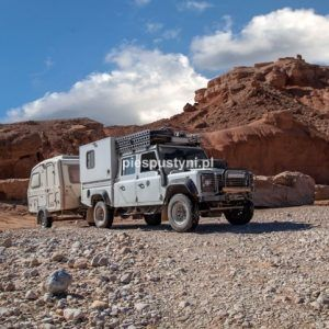 Land Rover Defender 130  nad ouedem Azinous 6 - Blog podróżniczy - PIES PUSTYNI
