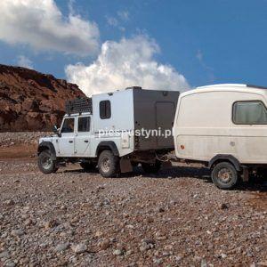 Land Rover Defender 130  nad ouedem Azinous 8 - Blog podróżniczy - PIES PUSTYNI